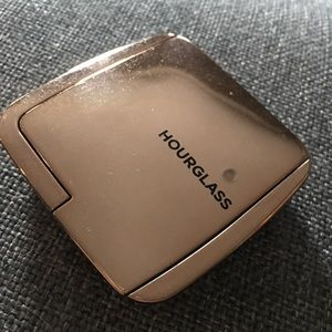 Hourglass Makeup - Hourglass Ambient Lighting Blush - Ethereal Glow